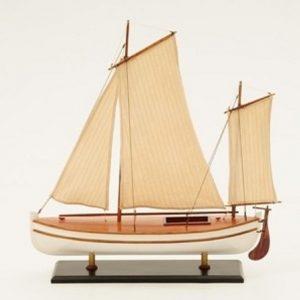 1195-7049-James-Caird-Lifeboat-HMS-Endurance