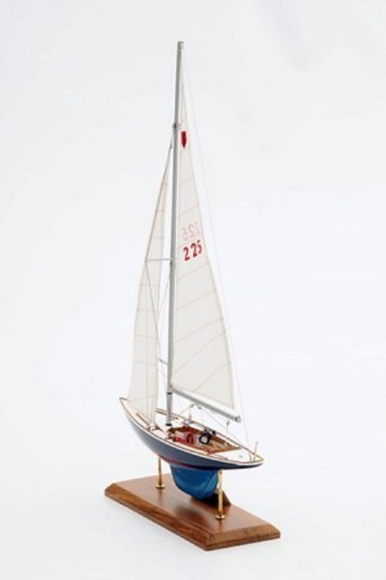 1230-7068-Sensation-Model-Yacht