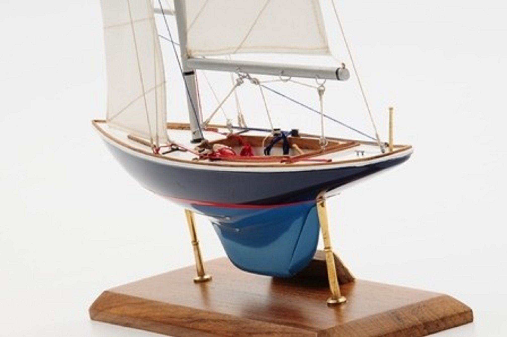 1230-7071-Sensation-Model-Yacht