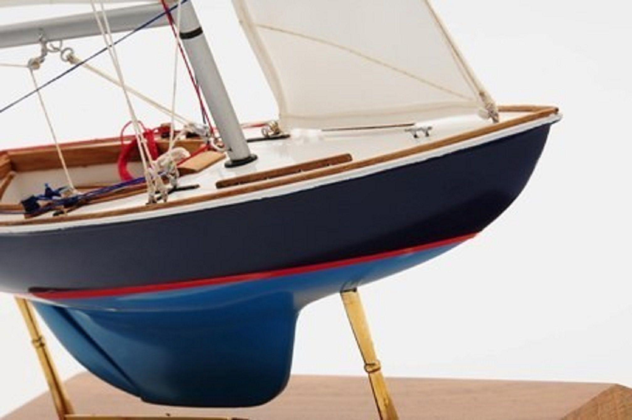 1230-7073-Sensation-Model-Yacht