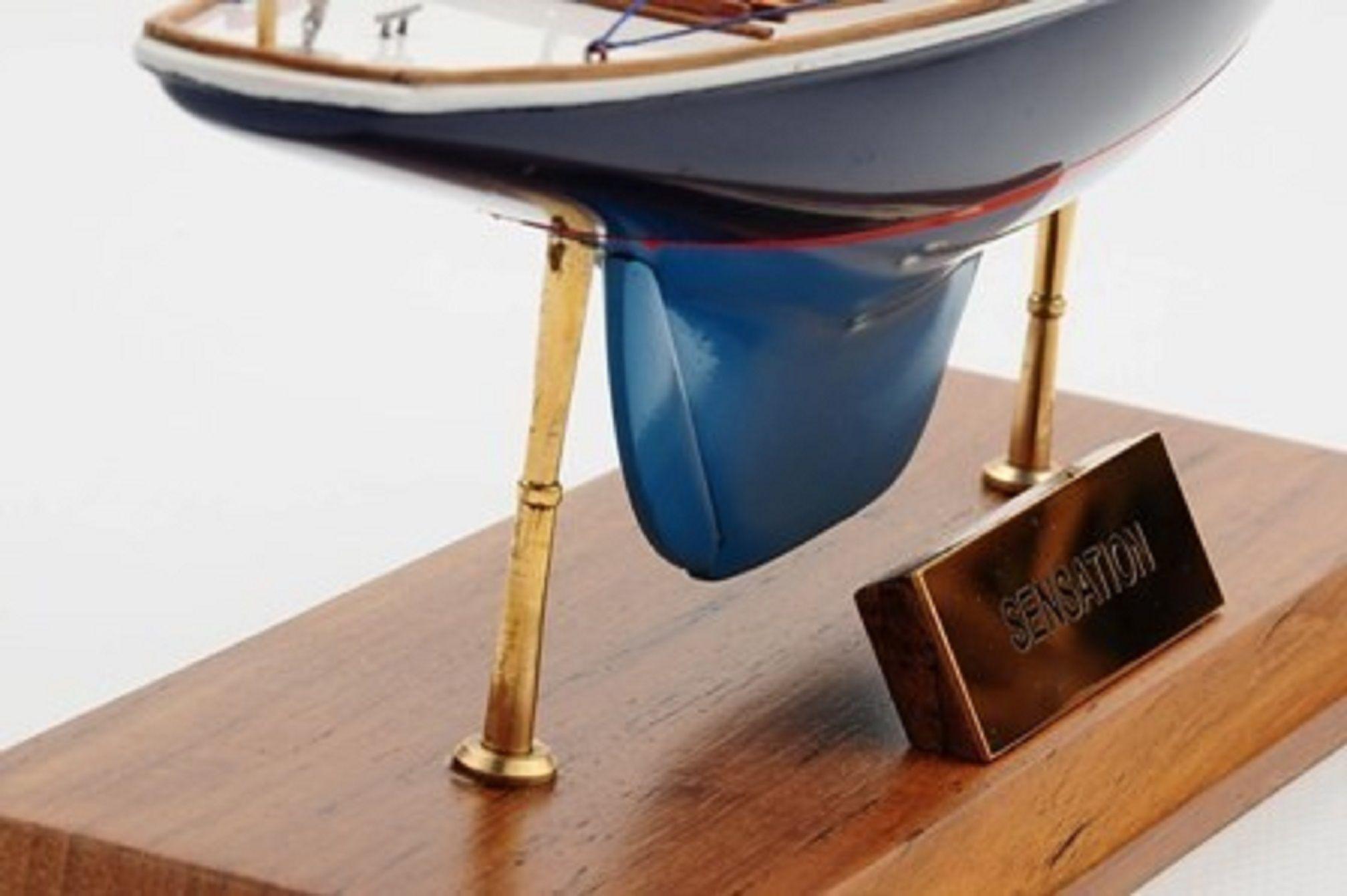 1230-7075-Sensation-Model-Yacht
