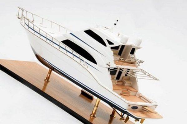 1231-6956-Bertram-700-Model-Yacht-Premier-Range