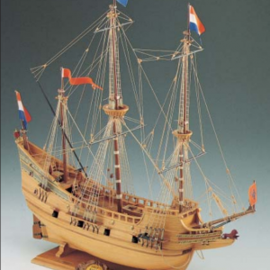1540-9193-Half-Moon-Model-Boat-Kit