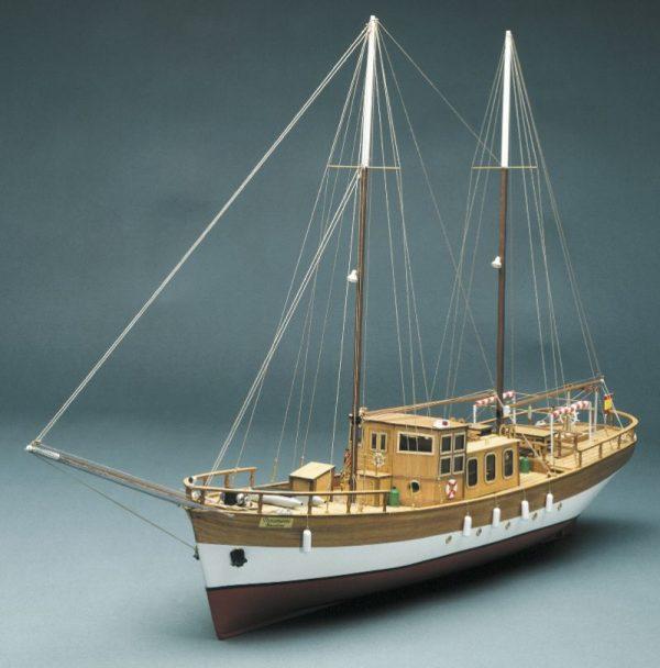 1574-9273-Trotamares-Motor-Schooner