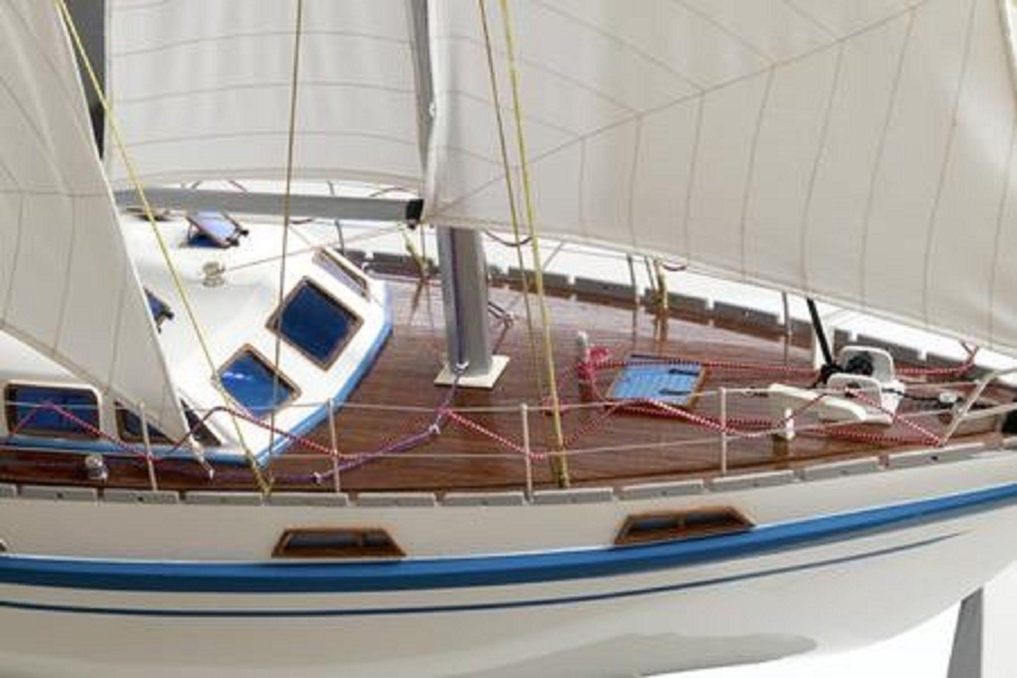 164-6834-Colvic-Victor-40-model-yacht
