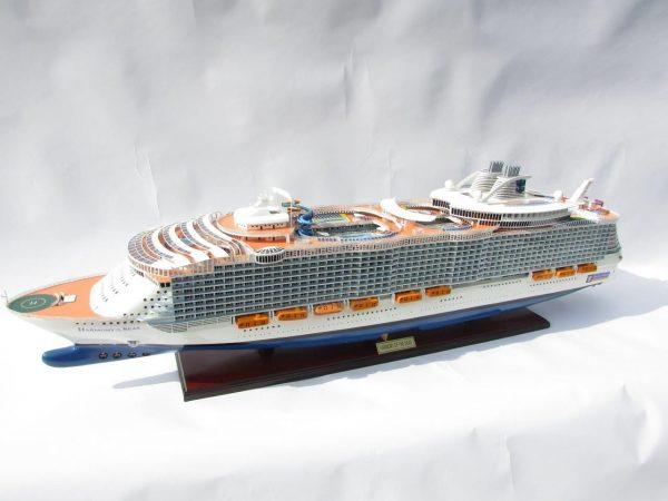 1784-10028-Harmony-of-the-Seas-Model-Ship