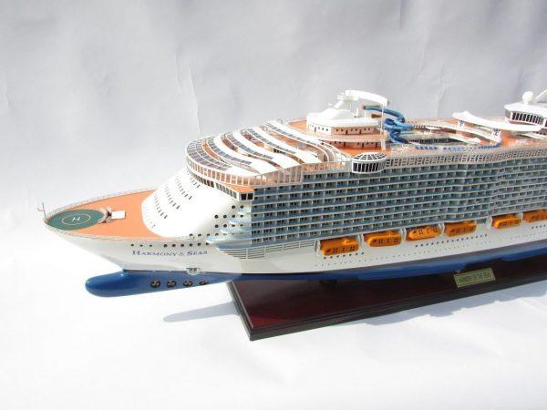 1784-10029-Harmony-of-the-Seas-Model-Ship