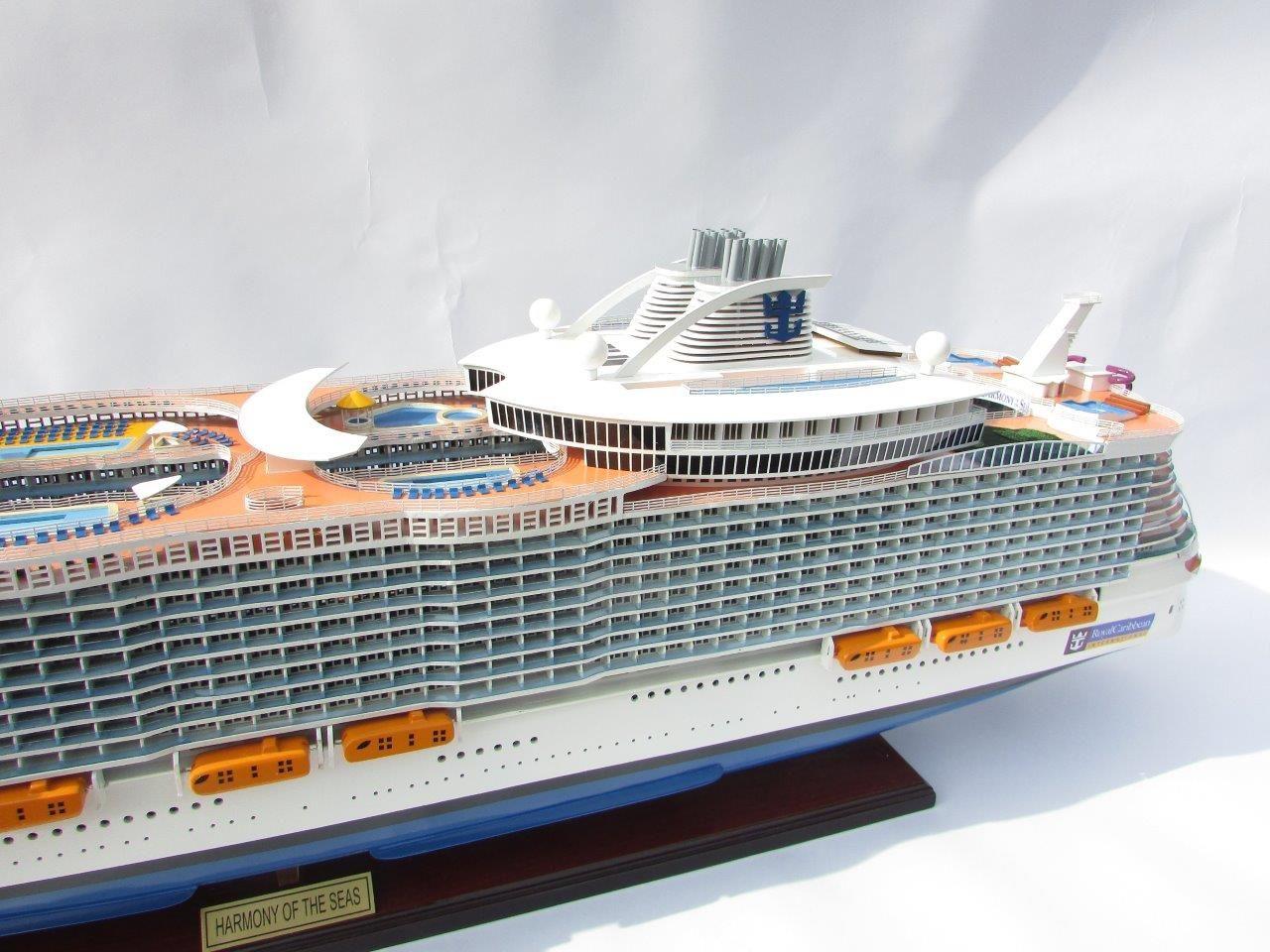 1784-10030-Harmony-of-the-Seas-Model-Ship