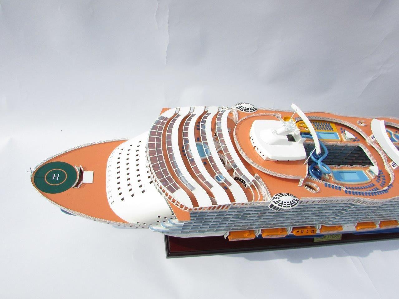 1784-10031-Harmony-of-the-Seas-Model-Ship