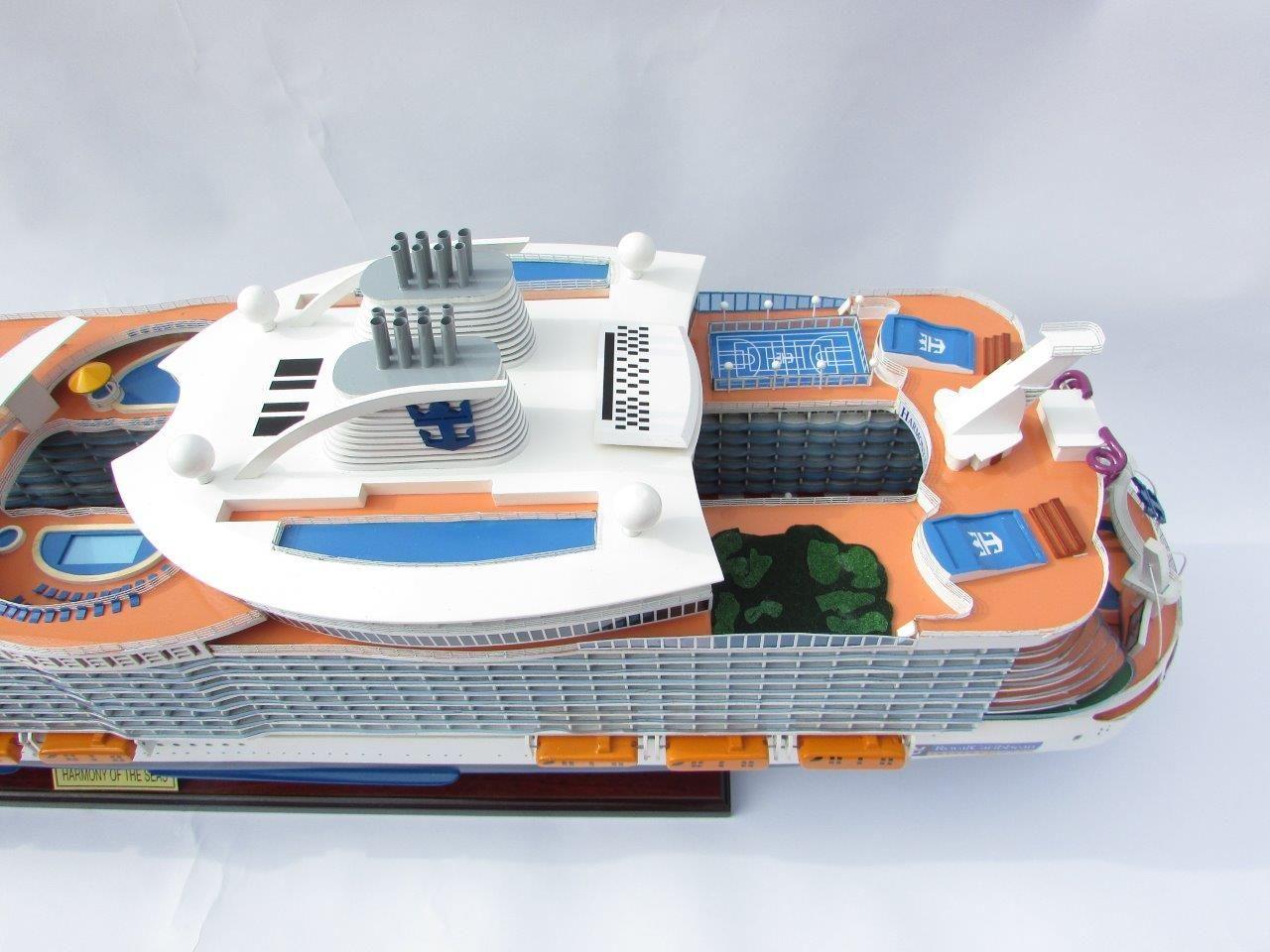 1784-10033-Harmony-of-the-Seas-Model-Ship