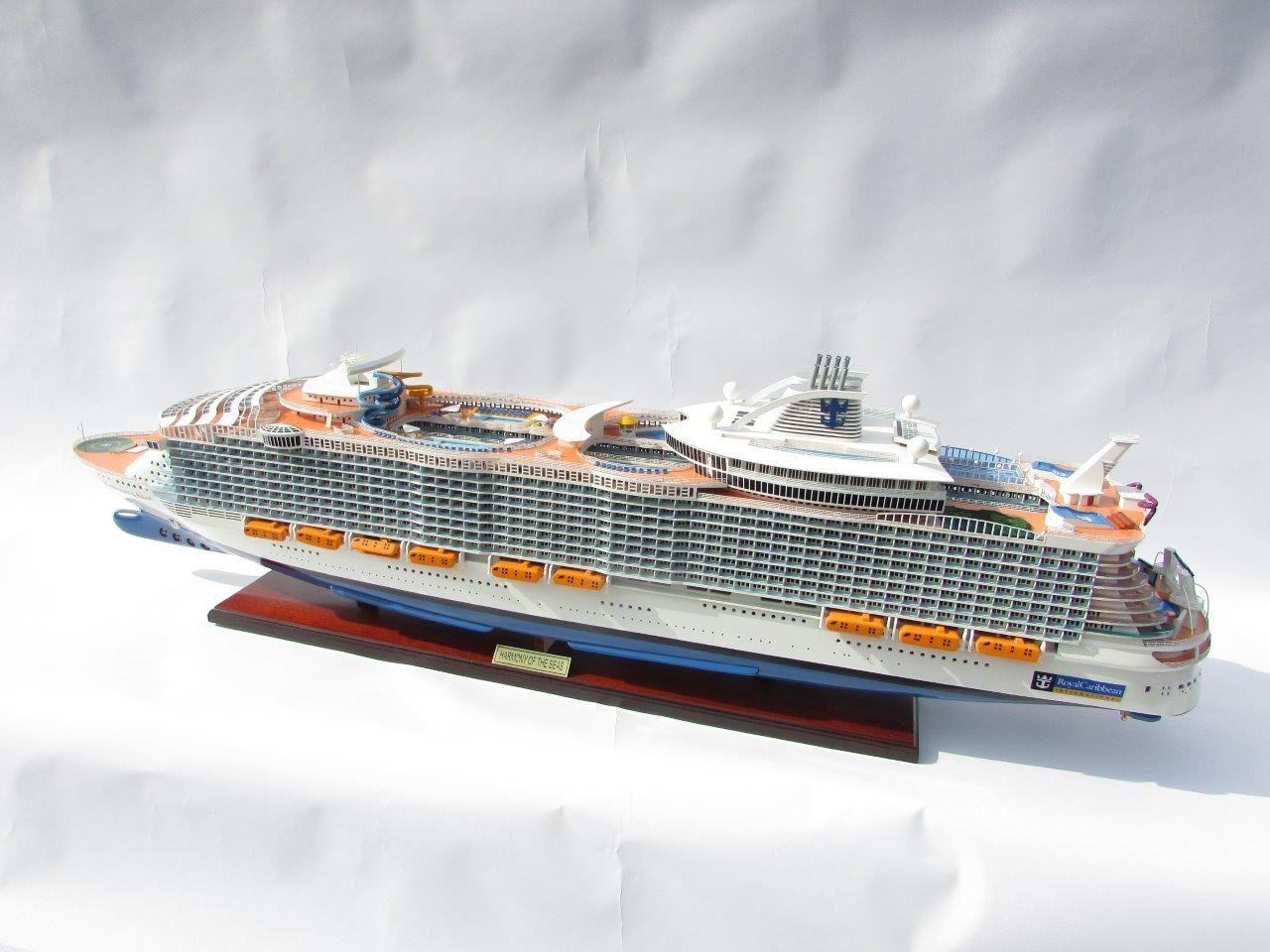 1784-10034-Harmony-of-the-Seas-Model-Ship
