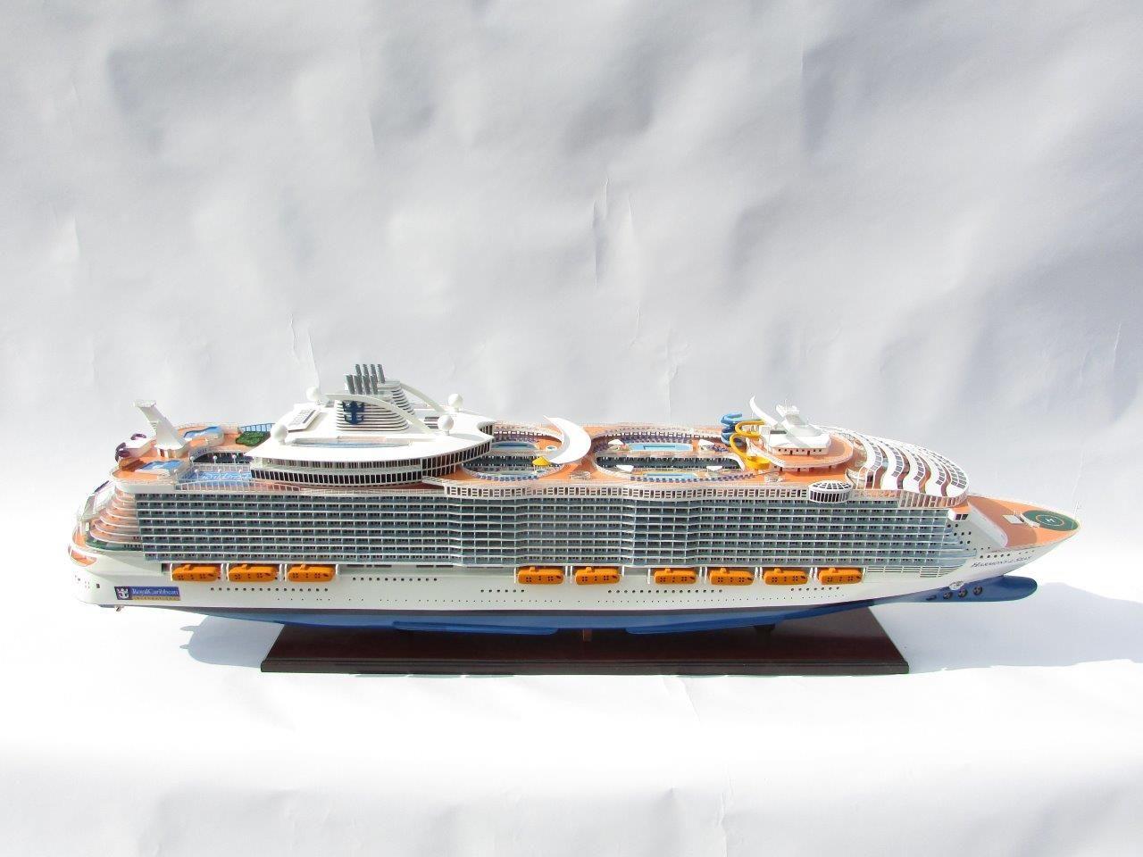 1784-10045-Harmony-of-the-Seas-Model-Ship
