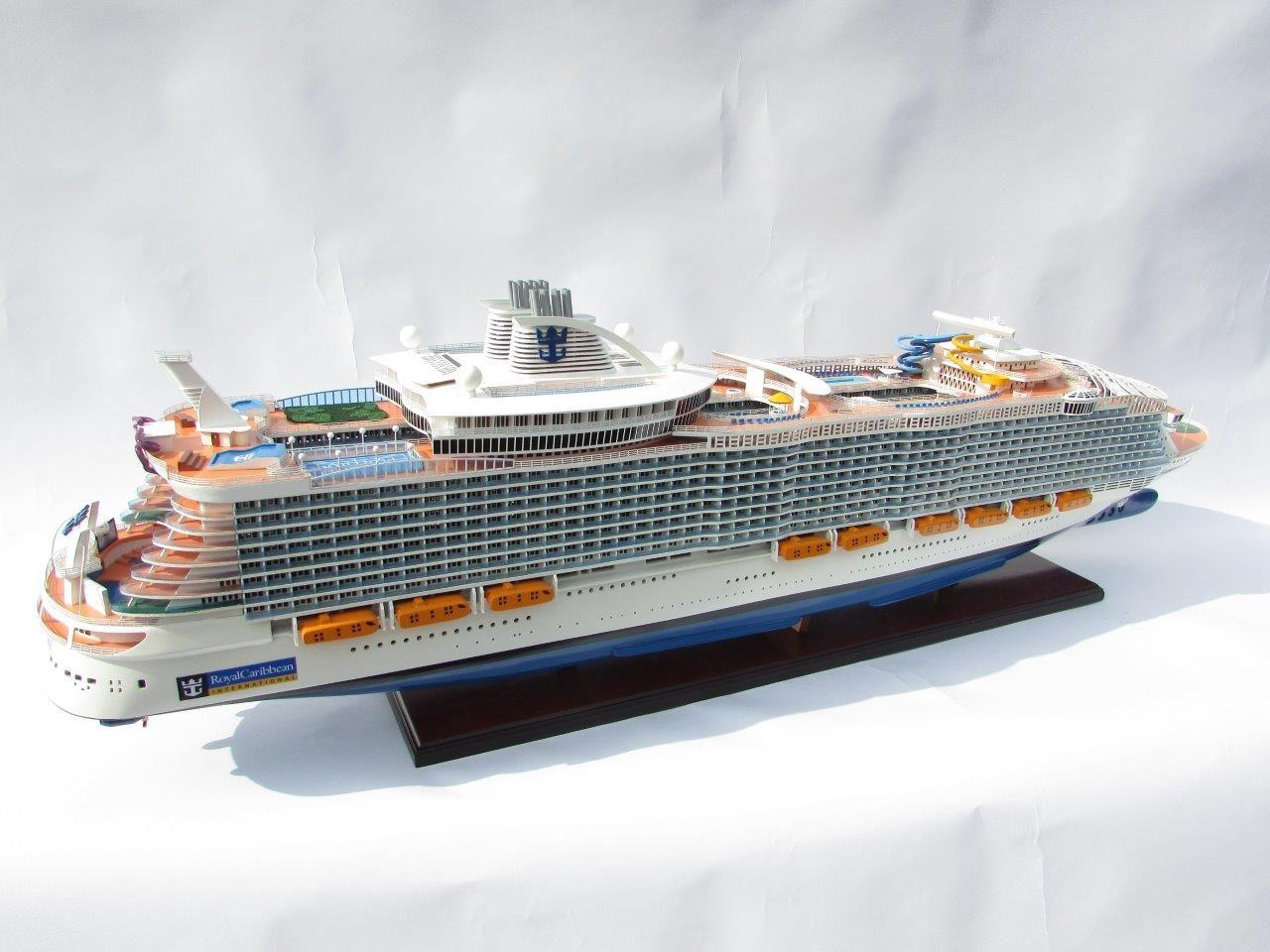 1784-10046-Harmony-of-the-Seas-Model-Ship