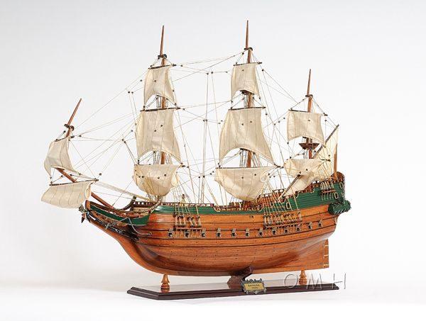 2279-13008-Batavia-Wooden-Model-Boat