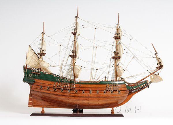 2279-13010-Batavia-Wooden-Model-Boat
