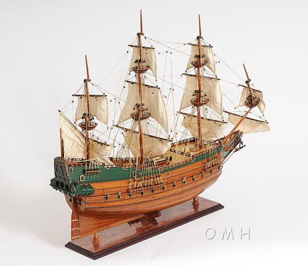 2279-13013-Batavia-Wooden-Model-Boat