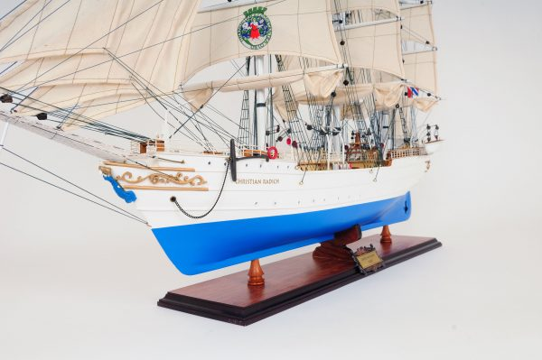 2281-12997-Christian-Radich-Model-Boat