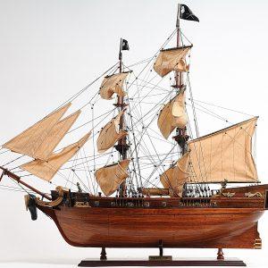 2286-13337-Pirate-Ship-Model