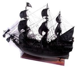 2432-Pirates-of-the-Carribean-Black-Pearl-Model-Ship-Standard-Range