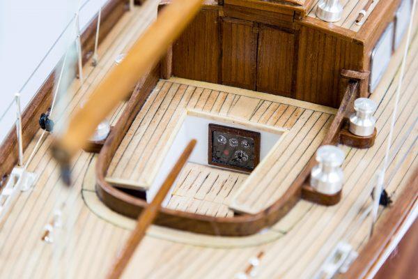 2556-14528-Nagaina-Model-Yacht-Superior-Range