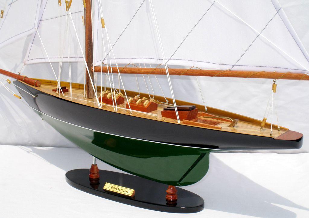 2563-14575-Pen-Duick-Model-Ship