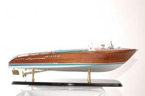 294-8366-Riva-Super-Aquarama-Model-Boat-Superior-Range