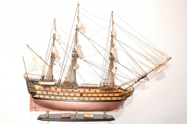 566-8353-HMS-Victory-Bicentennial-Ship-Model-Superior-Range
