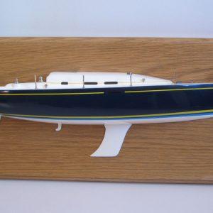 579-6679-Beneteau-40.7-Half-Model