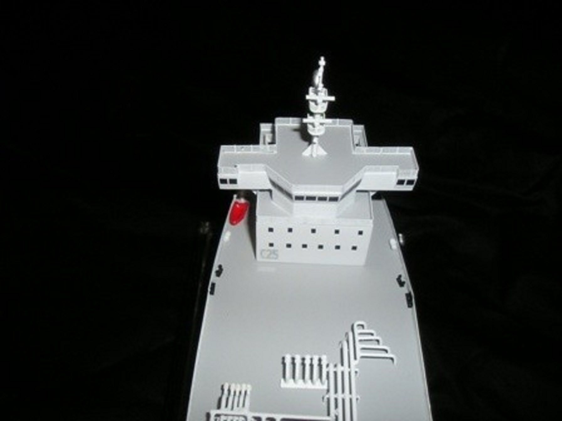 1227-6670-CNG-Open-Hull-model-in-Display-case