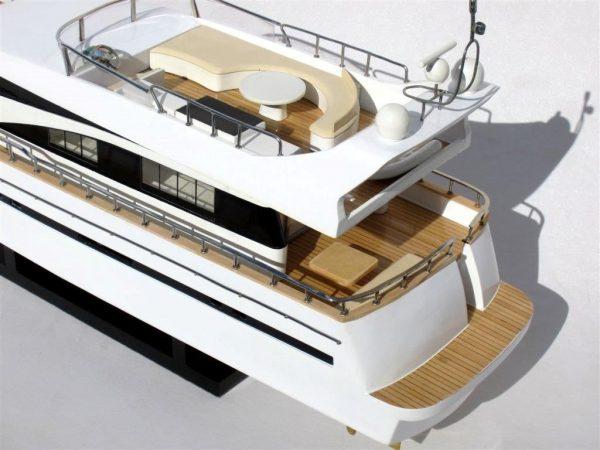 Maquette de bateau Astondoa 73 - GN (SB0069P)