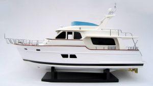 Maquette de bateau Grand Banks 53RP - GN (SB0050P)