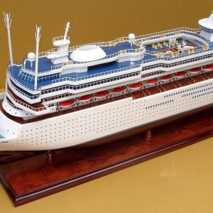 2033-12005-Majesty-of-the-Seas-Model-Boat