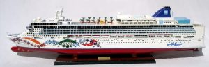 2083-12357-Norwegian-Pearl-Model-Ship