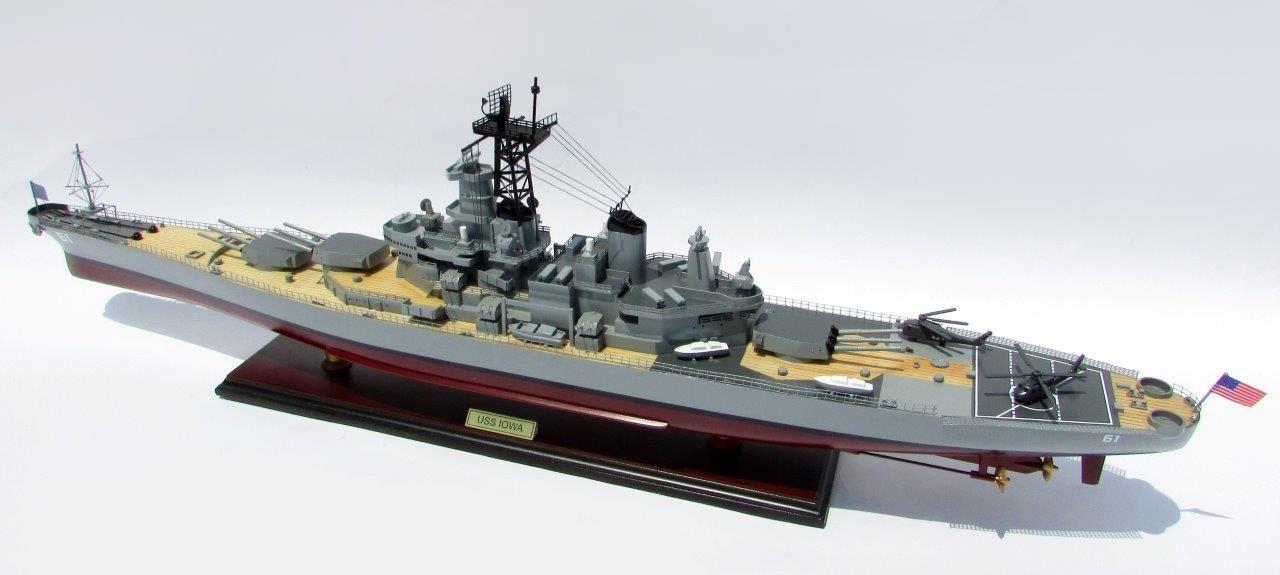 2016-12791-USS-Iowa-model-boat