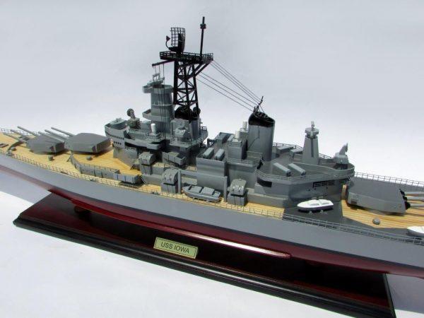 2016-12793-USS-Iowa-model-boat