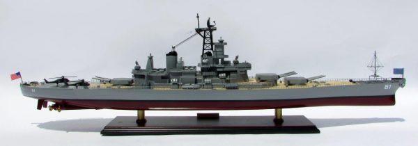 2016-12795-USS-Iowa-model-boat