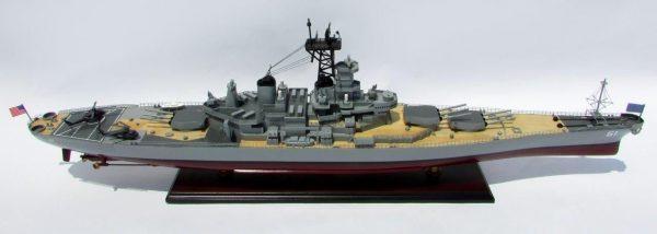 2016-12796-USS-Iowa-model-boat