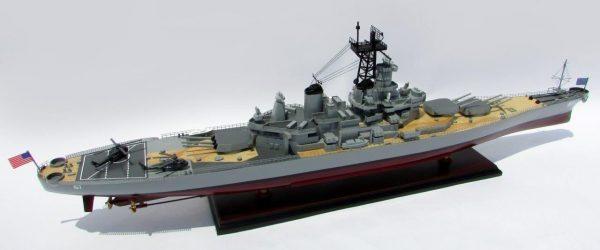 2016-12797-USS-Iowa-model-boat