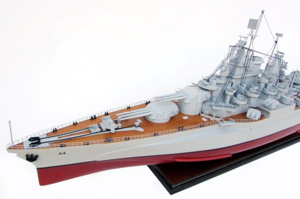 2021-12810-USS-California-ship-model