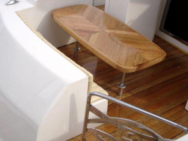 2061-12214-Riviera-4700-model-boat