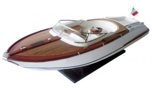 2063-12748-Riva-Aquariva-Gucci-ship-model