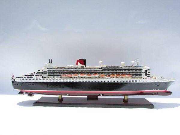 Maquette bateau de croisière Queen Mary 2