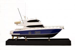 2189-12894-Maritimo-70-Model-Yacht