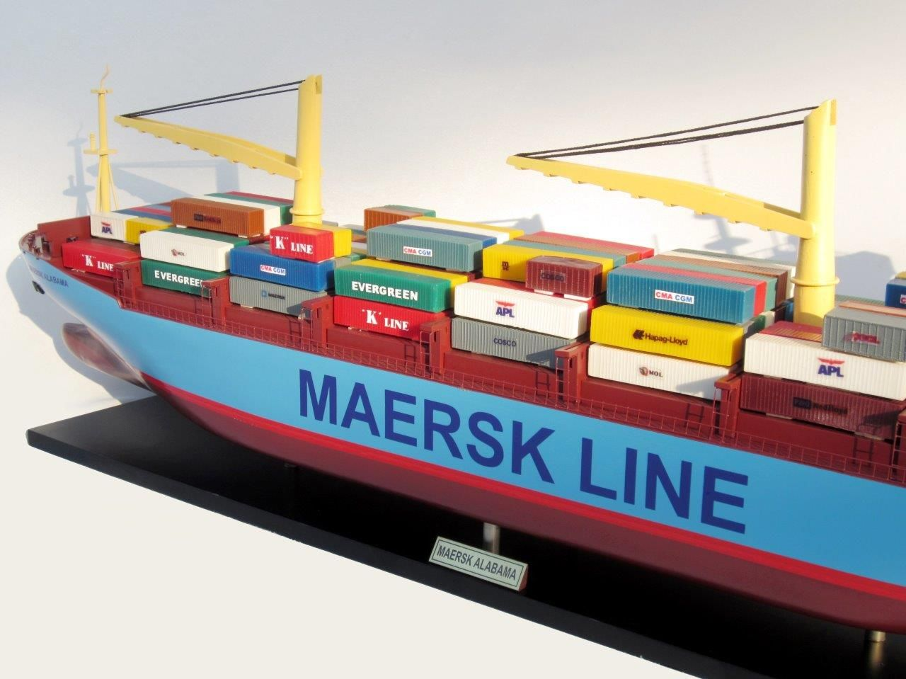 2455-14051-Maersk-Alabama-Container-Model-Ship