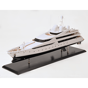 Yachts modernes et bateaux