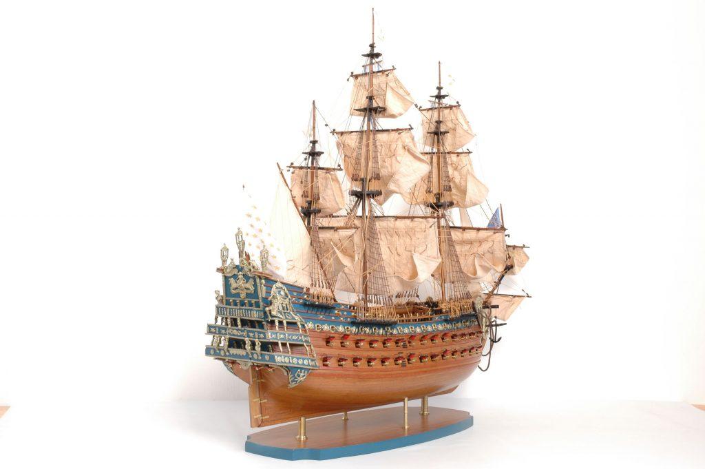 Maquette Soleil Royal en bois