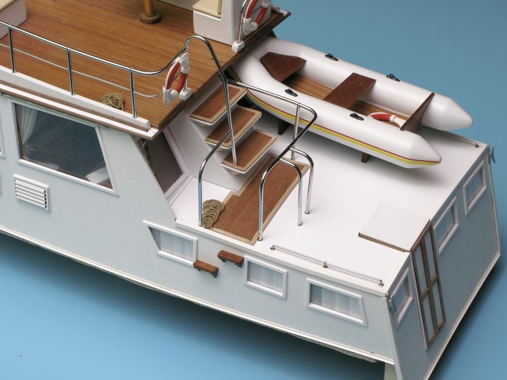 Maquette à Construire Yacht Grand Banks - Amati (1607)