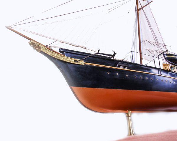 1689-9547-Royal-Yacht-HMS-Alberta
