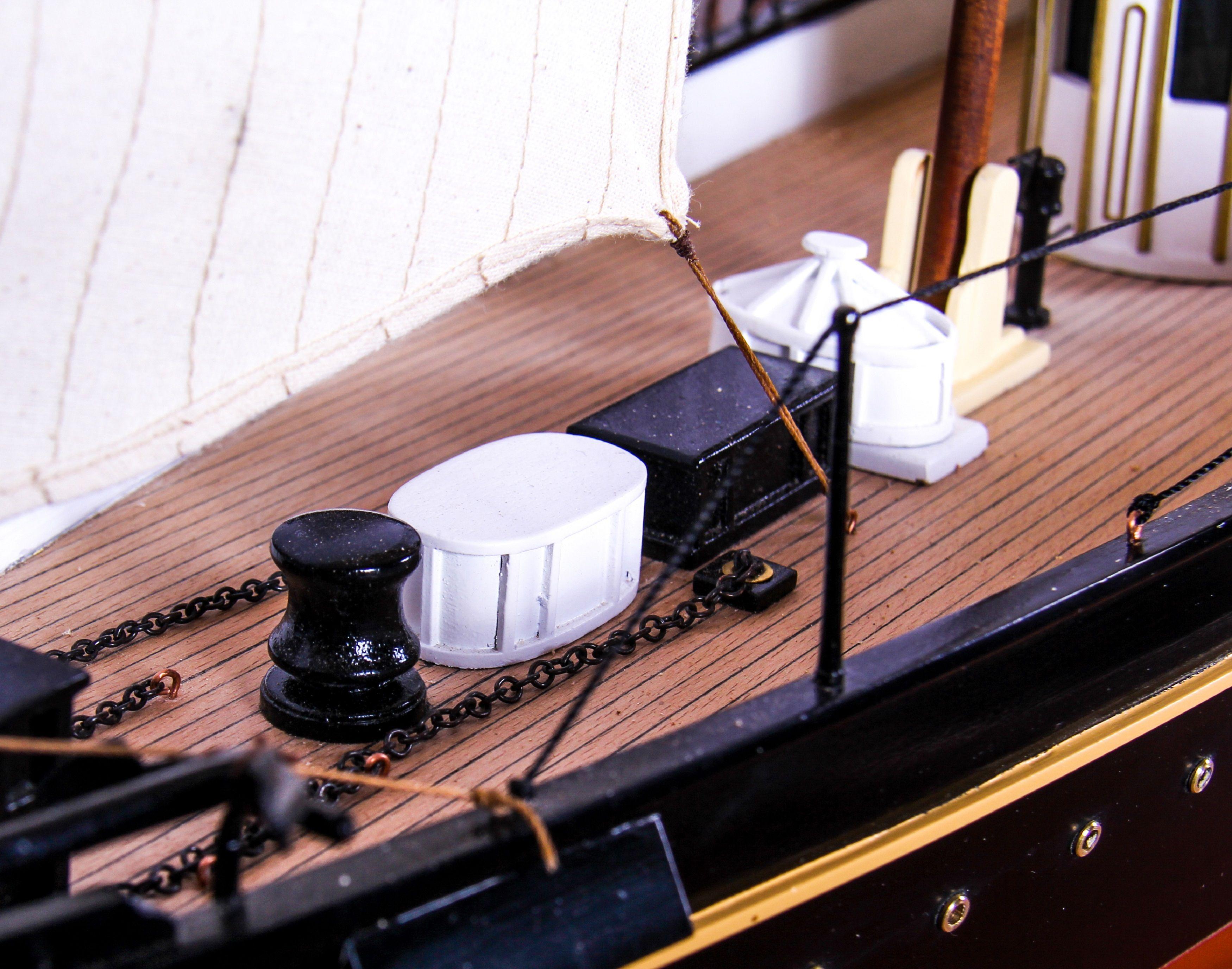 1689-9548-Royal-Yacht-HMS-Alberta