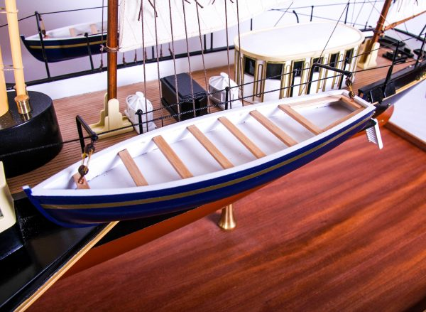 1689-9553-Royal-Yacht-HMS-Alberta